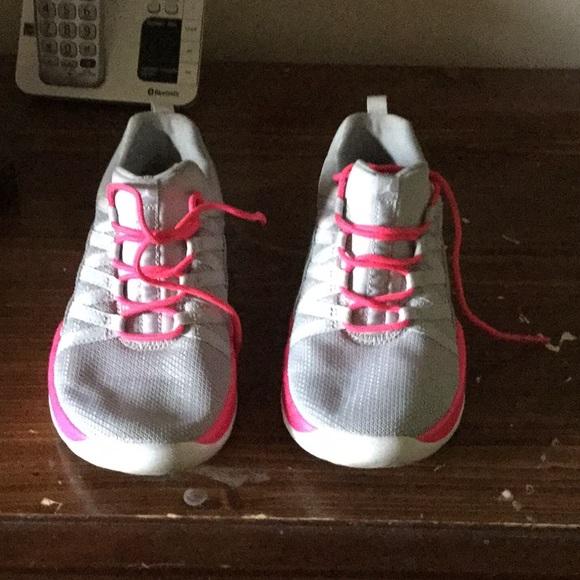 purchase cheap 348fe e81af girls Jordan sneakers